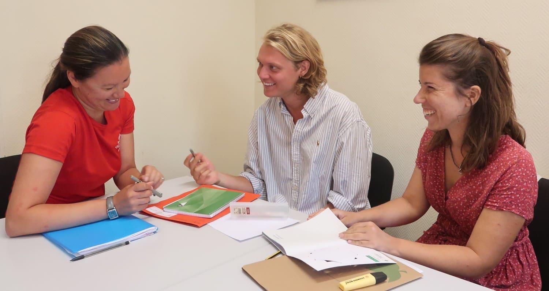 Aulas de lingua aprender francês em frança